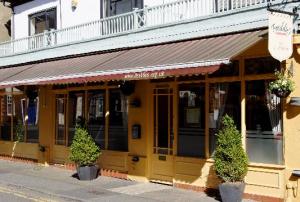 Freddie's Restaurant